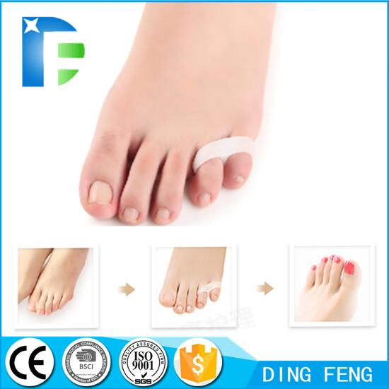 Toe Separators and Spreaders for Relieving Pain Associated with Bunions Overlapping Toes